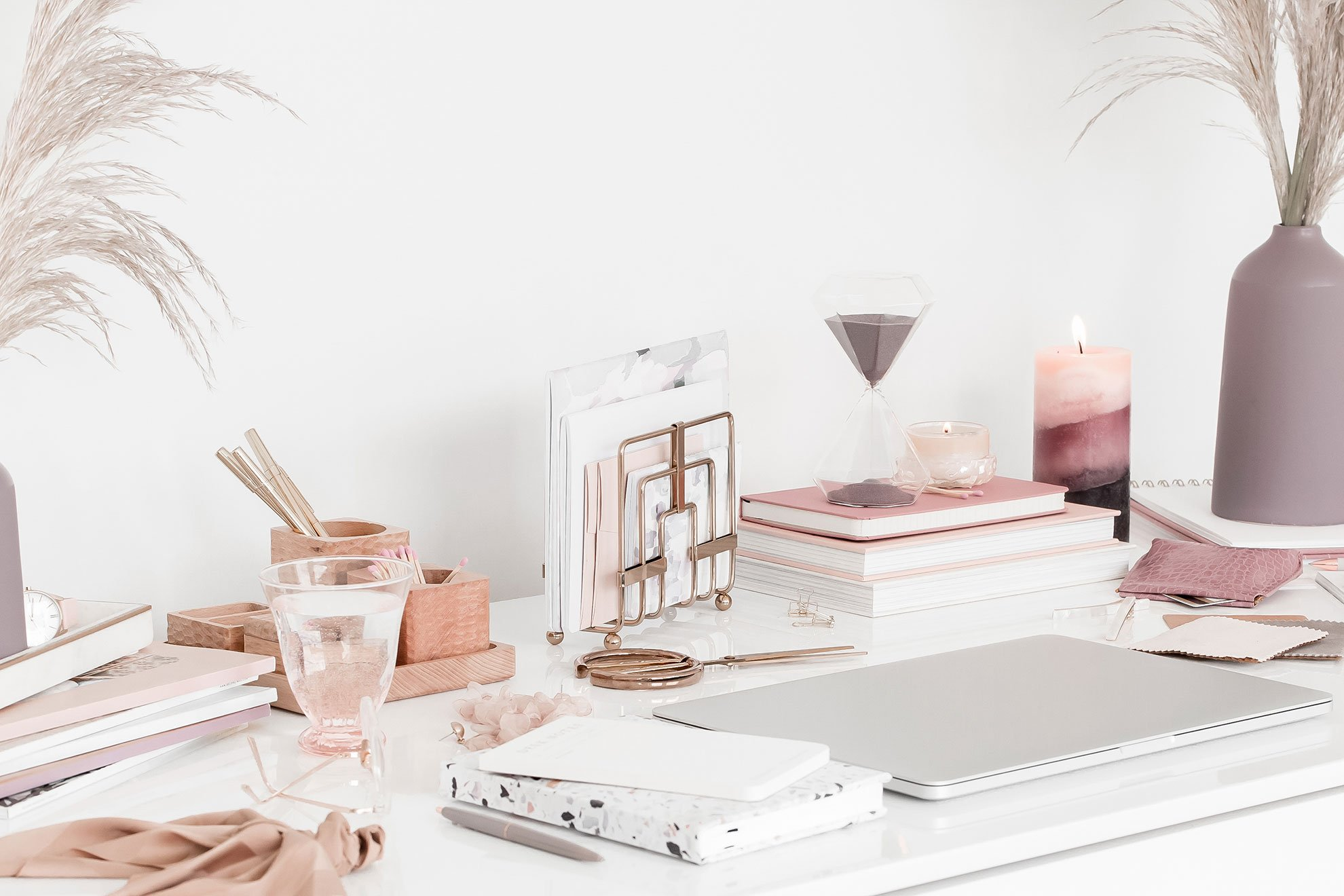The desk of a calm and successful freelancer